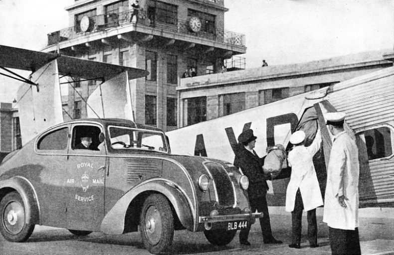 Loading Mails at Croydon Airport