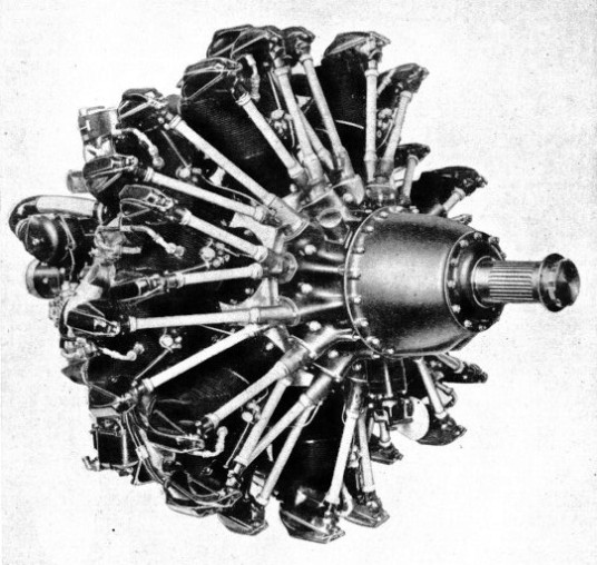A DOUBLE-ROW TYPE OF RADIAL ENGINE