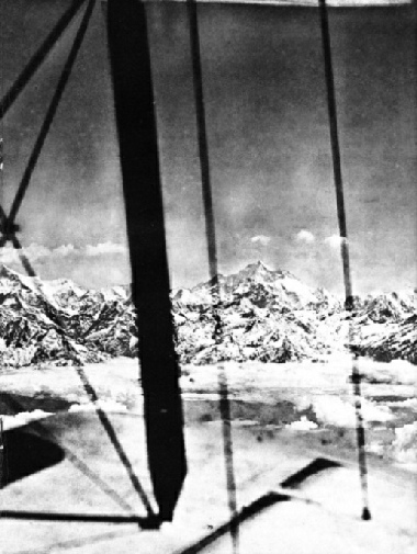 APPROACHING EVEREST on April 19, 1933